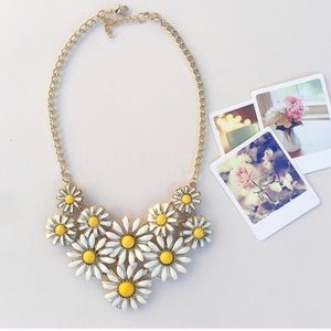 """Sweet Daisy"" Statement Necklace"